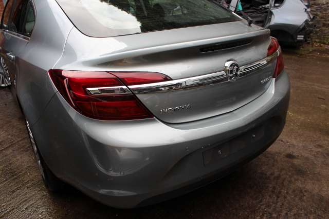Opel Insignia Sun Visor Passengers Side -  - Opel Insignia 2015 Diesel 2.0L 2008--2017 Manual 6 Speed 5 Door Elt Windows Front. 18 Inch Wheels.Eng Code A20DTE. Fuel Inj 00445110423