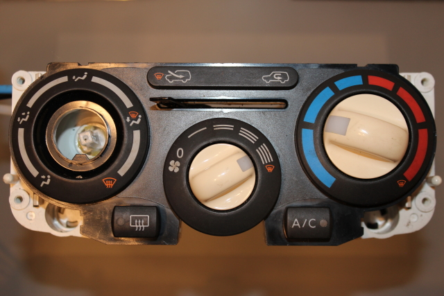 Nissan Micra - Heater Control Switch