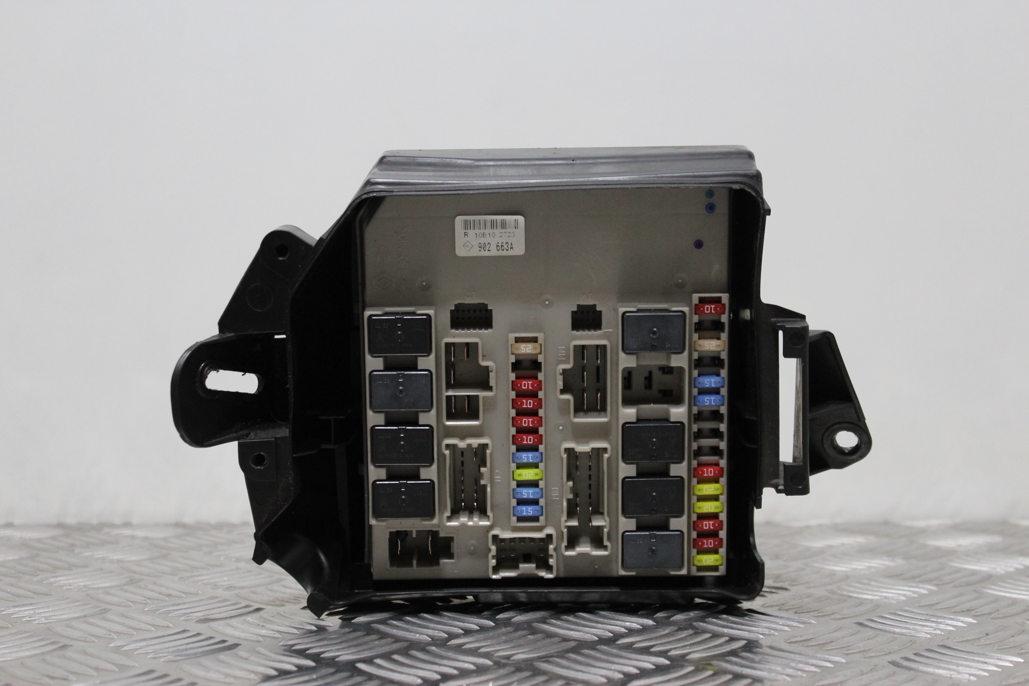 fuse box removed from similar vehicle