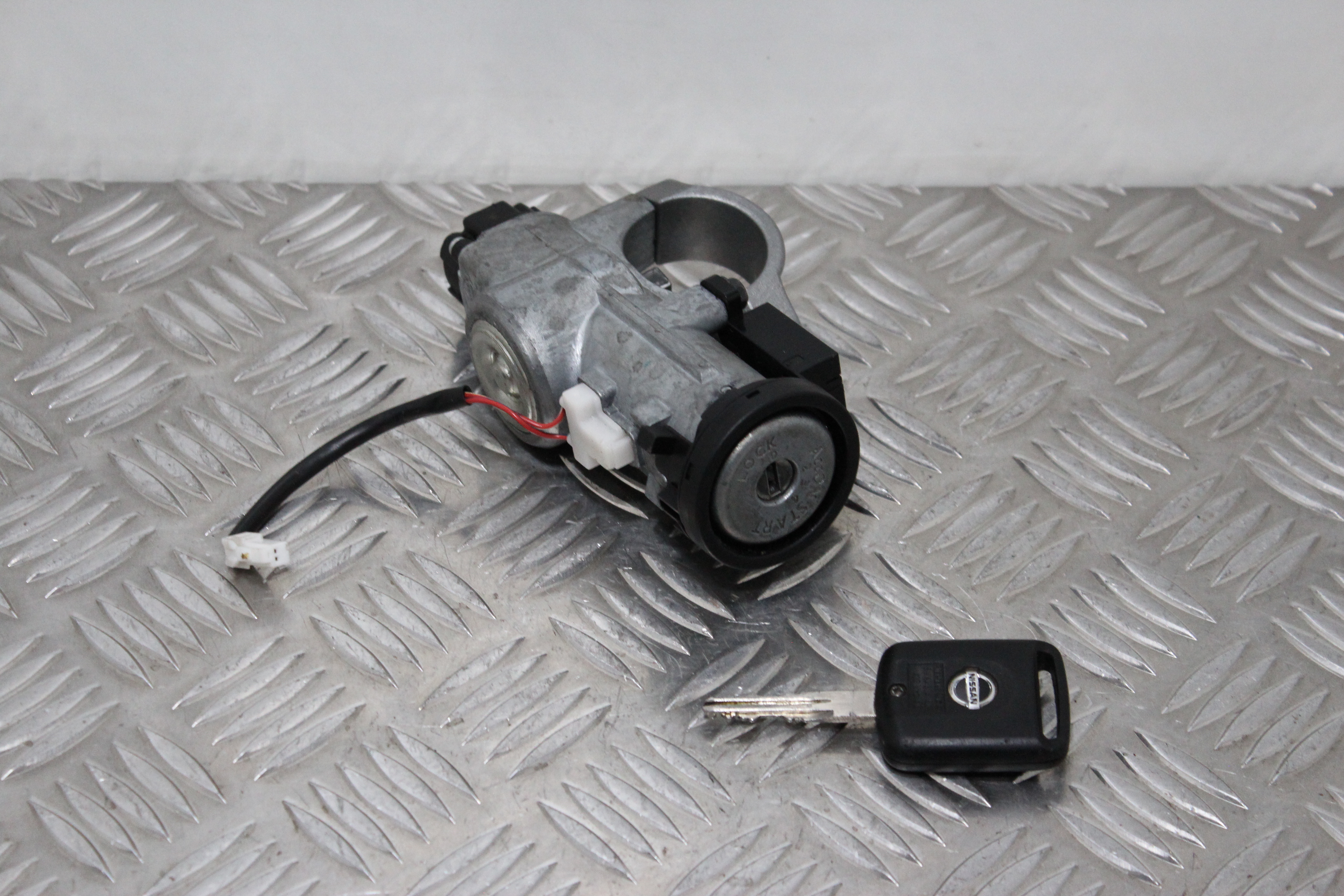 Nissan Qashqai Ignition Switch With Key Removed From Similar Vehicle