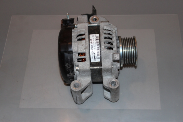 Toyota Avensis Alternator -