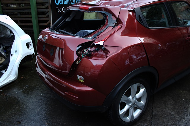 Nissan Juke Door Mirror Passengers Side -  - Nissan Juke 2012 Petrol 1.6L Code HR16 Manual 5 Speed 5 Door Elt Windows Front and Rear 17Inch Wheels
