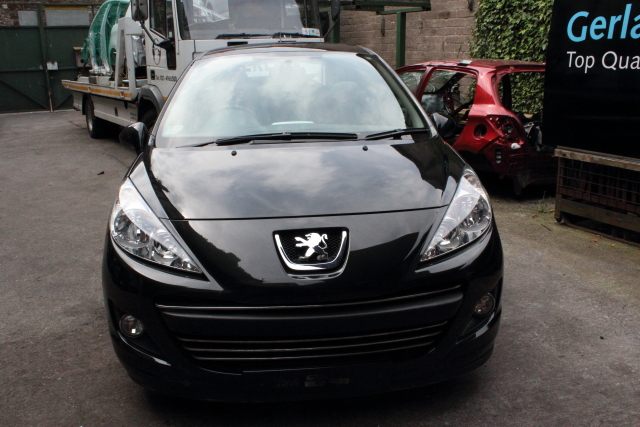 Peugeot 207 Door Front Passengers Side -  - Peugeot 207 2012 Petrol 1.4L 2006 - 2012 Manual 5 Speed 5 Door Elt Windows Front Elt Mi rrors 15 Inch Alloy Wheels. Eng Code KFT