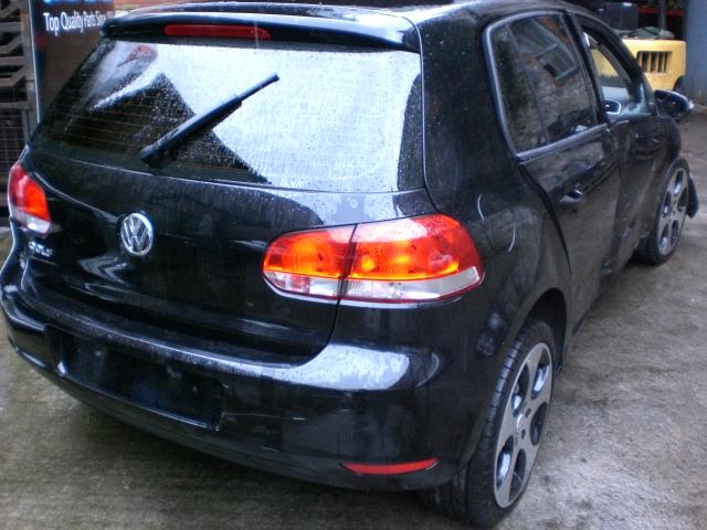 Volkswagen Golf Wiper Mechanism -  - Volkswagen Golf 2009 Petrol 1.4L Code: CGG Manual 5 Speed 5 Door Electric Mirrors, Electric Windows Front, With A/Con