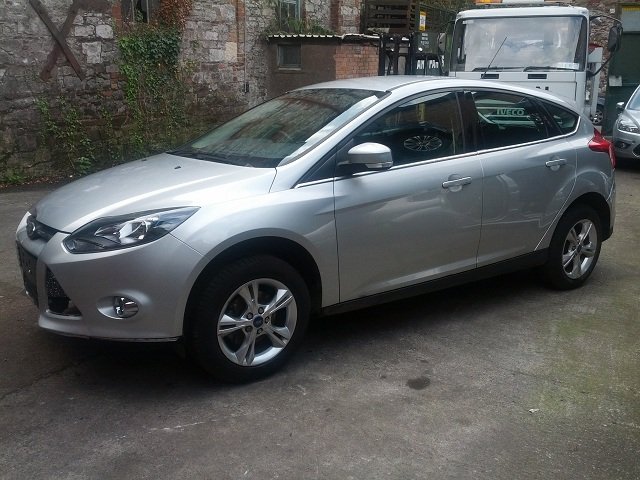 Ford Focus Heater Control Switch -  - Ford Focus 2011 Petrol 1.6L Manual 5 Speed 5 Door Electric Mirrors, Electric Windows Front, Alloy Wheels 16 inch, Silver