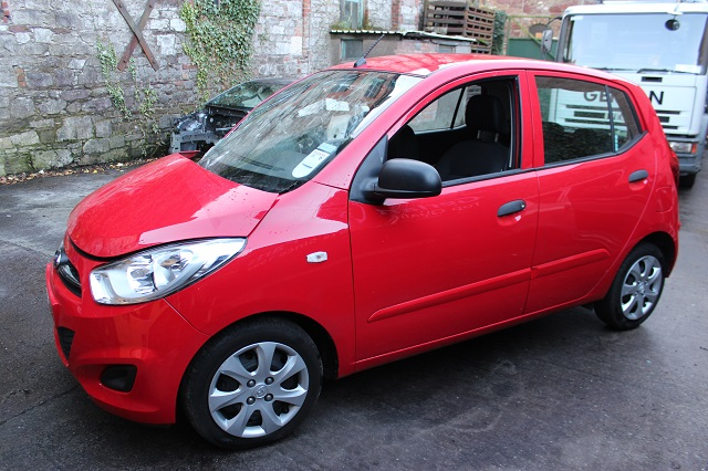 Hyundai i10 Door Quarter Window Glass Rear Passengers Side -  - Hyundai i10 2012 Petrol 1.2L 2007--2013 Manual 5 Speed 5 Door Manual Mirrors, Electric windows Front, Manual Windows Rear, Alloy Wheels 14 inch, Red Engine Code G4LA