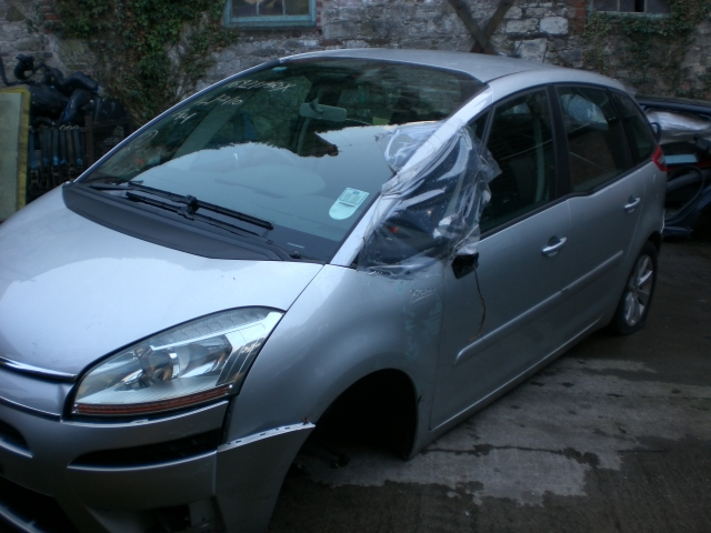 Citroen Picasso C4 Brake Caliper Front Passengers Side -  - Citroen Picasso C4 2008 Diesel 1.6L 2006--2013 Automatic 5 Door 5 Seater, Electric Mirrors, Electric Windows Front & Rear, Alloy Wheel 16 inch, Silver