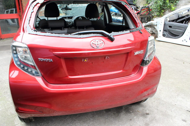 Toyota Yaris Door Handle Inner Front Drivers -  - Toyota Yaris 2014 Petrol 1.0L Manual 5 Speed 5 Door 15 Inch wheels Elt windows front and rear